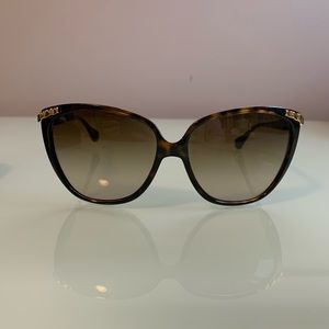 D&G authentic sunglasses with case